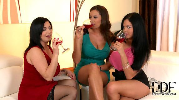 Shione Cooper, Kora and Sensual Jane