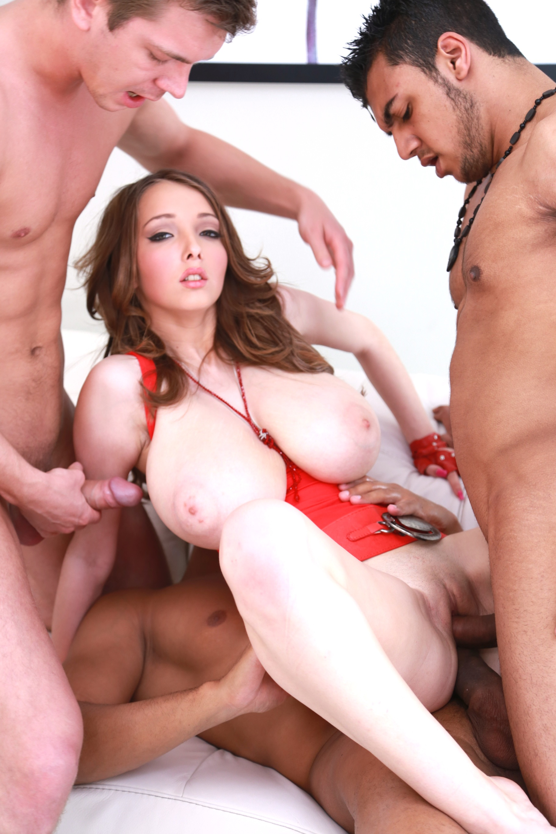Lucie Wilde gets all holes fucked