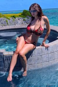Zivinity-Solaire-busty-bikini