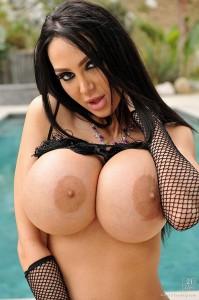 Amy-Andersen-big-boobs
