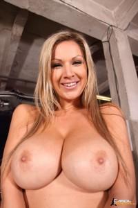 Carol Goldnerova-boobsrealm