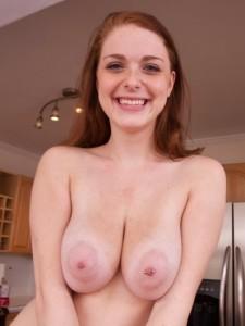 Chloe-Taylor-boobsrealm