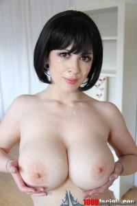 Larkin-love-boobsrealm
