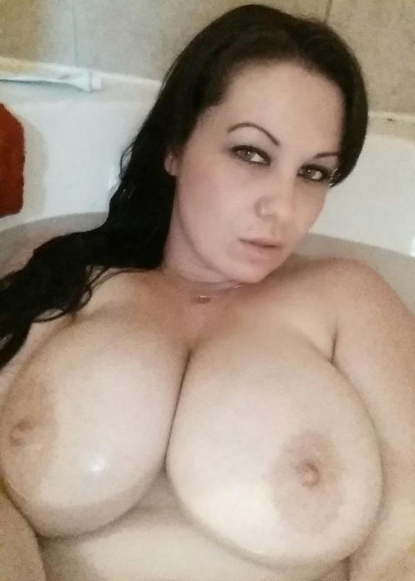 Nikki-Skye-webcam