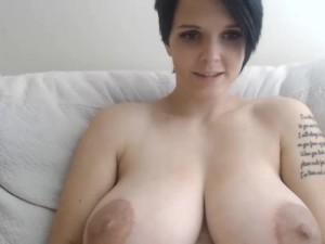 Sindy_111-boobsrealm