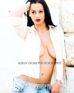 Enki Bracaj topless