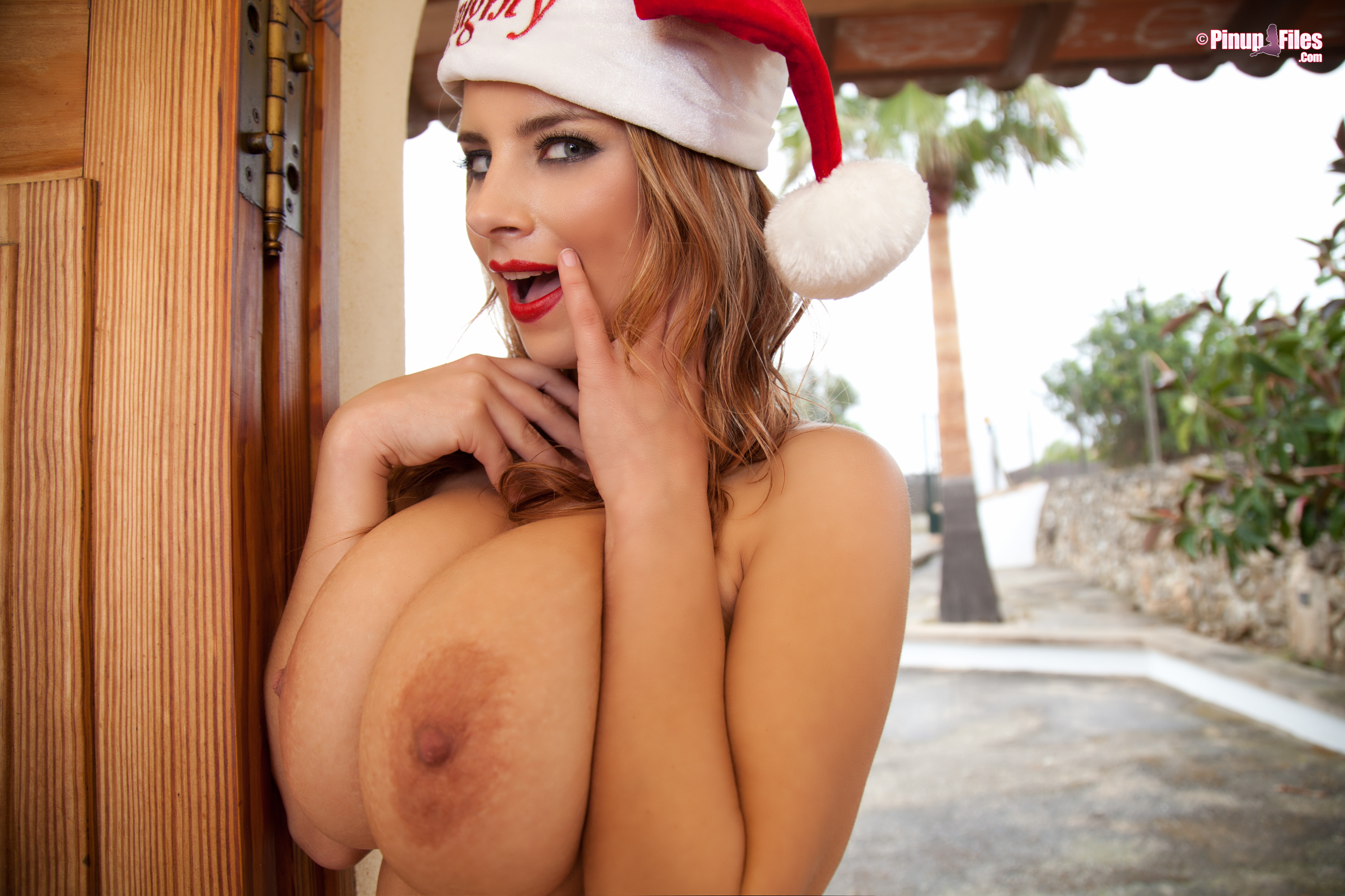 Merry Boobs-Mas! – Big tits Chirstmas from BoobsRealm.com