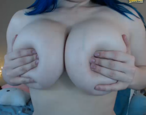 Busty cam girls TheWolfMaam, Jennica Lynn and Kittiesauce on Chaturbate