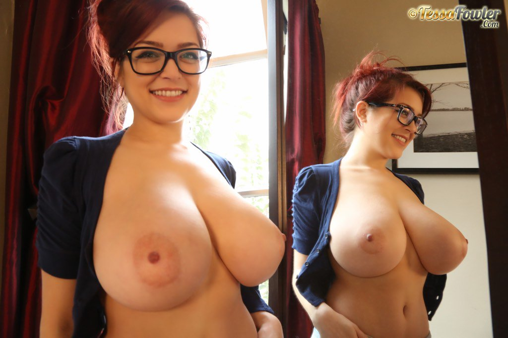 Tessa Fowler tries on Fan Outfits