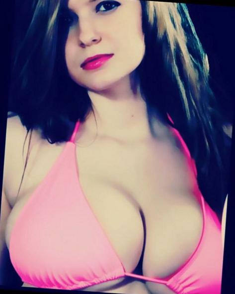amanda love big boobs bikini