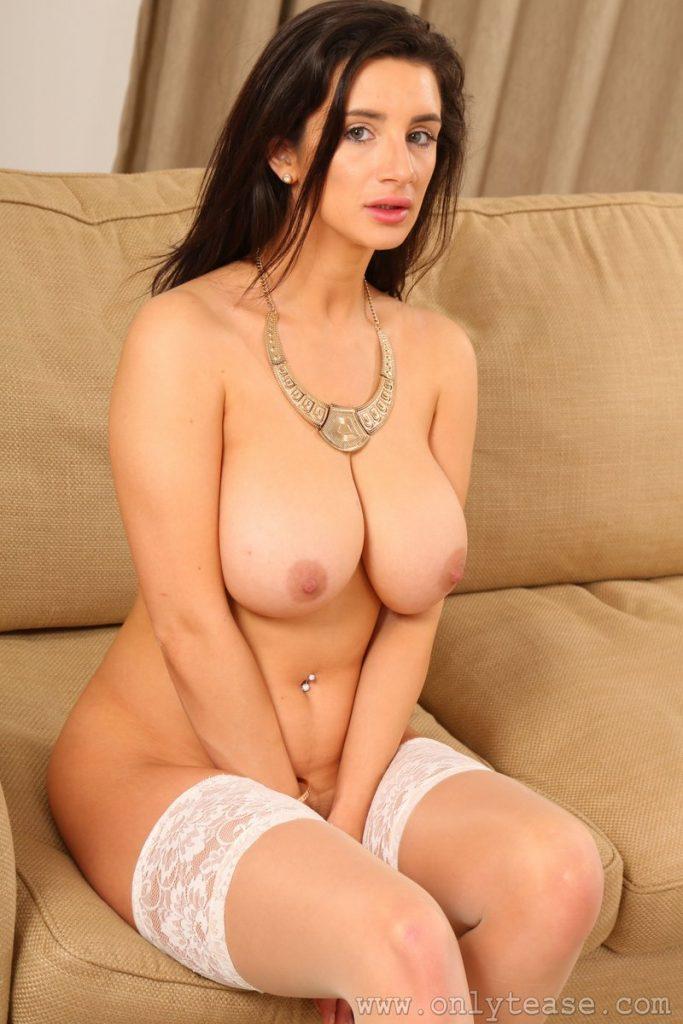 cara ruby onlytease naked