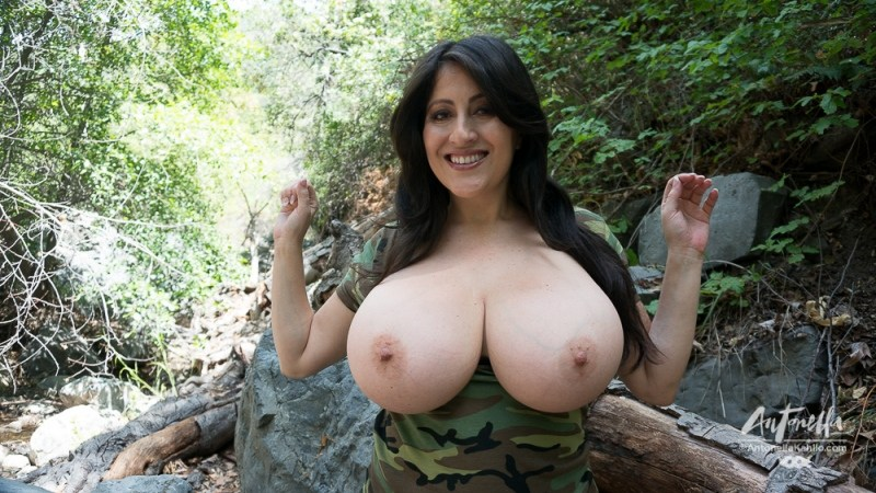 antonella kahllo boobs out