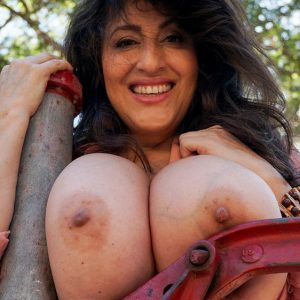 antonella kahllo camping boobs