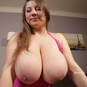 samanta lily pink boobs