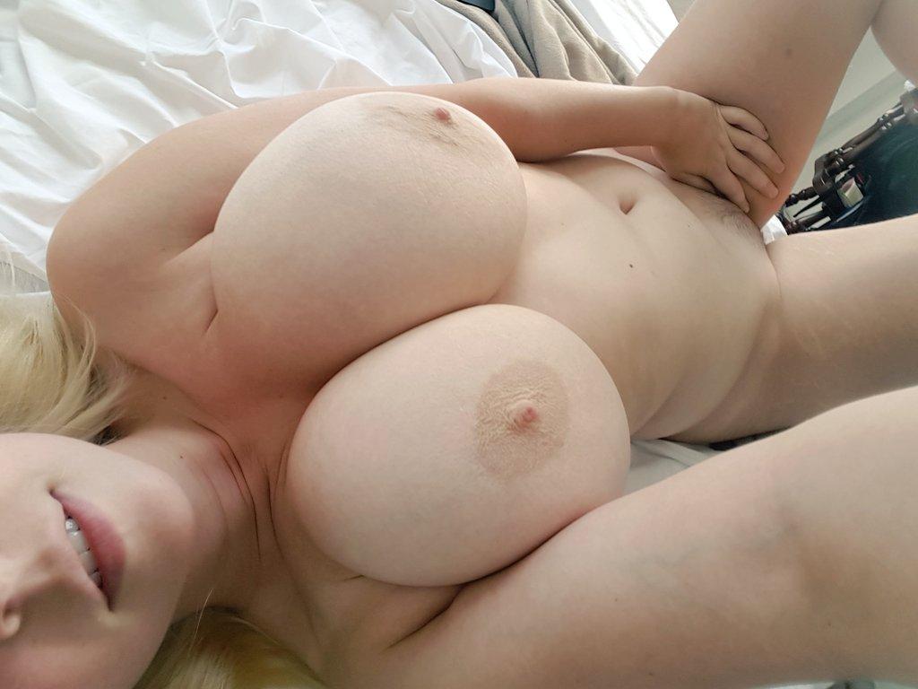 Hot Codi Vore Nude Pics