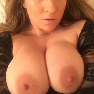 hollywouldx boobs