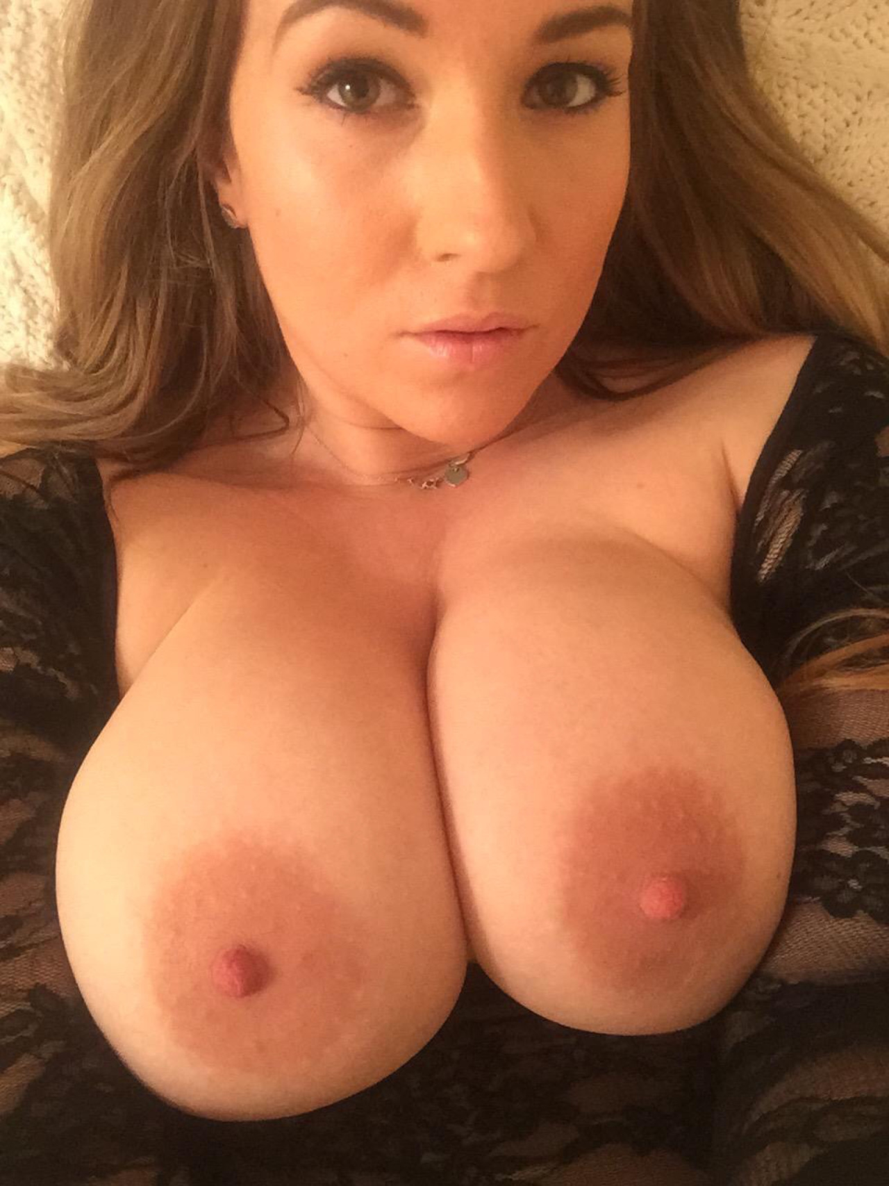 image Webcam busty girl crazy riding her man toy