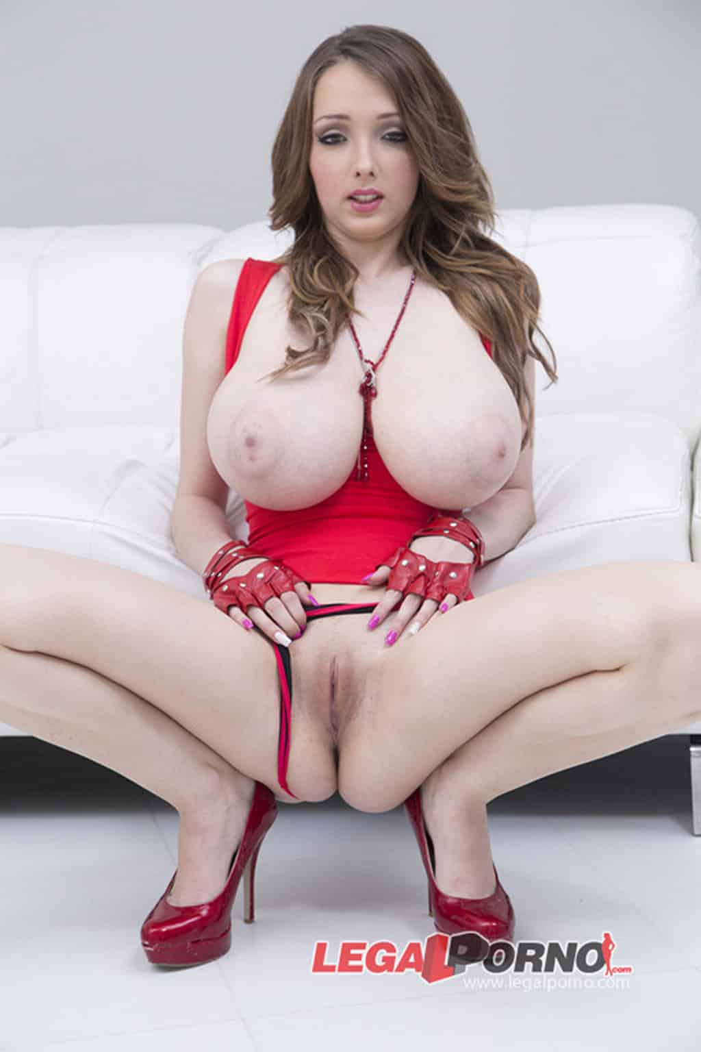 Aupa Atletic Video Porno torbe out of jail, aupa athletic, leanne crow red bikini