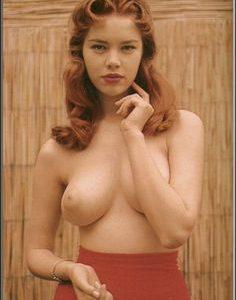 elle stratton boobs