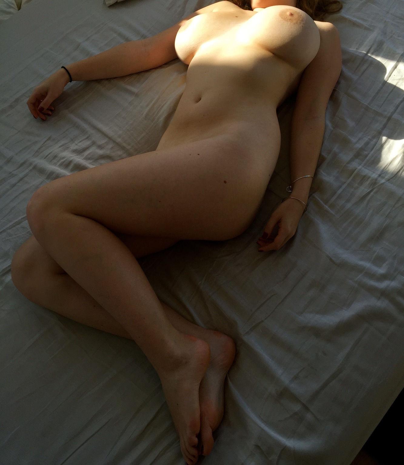 sophie mudd nude