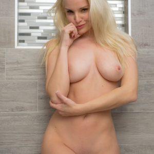 cosmid melanie moore nude