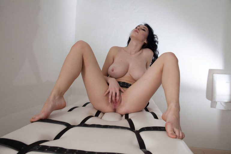 TheLifeErotic Beauty Sema masturbates