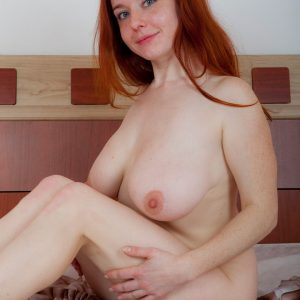 sara nikol naked