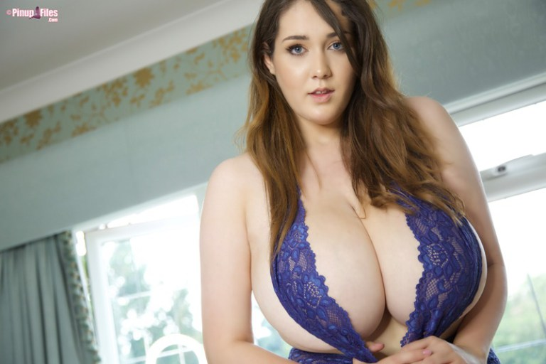 bella brewer pinupfiles boobs