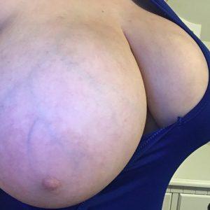 manda dawn boob out