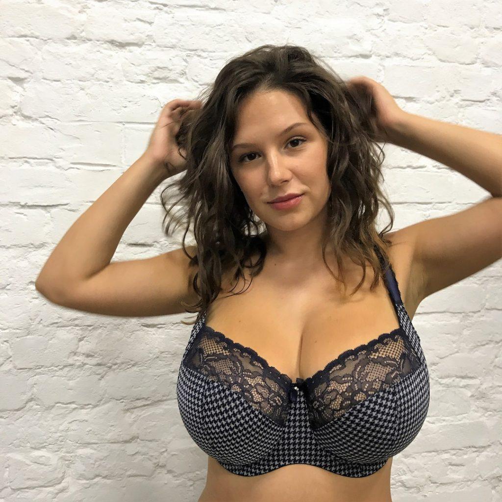 Models busty boobs