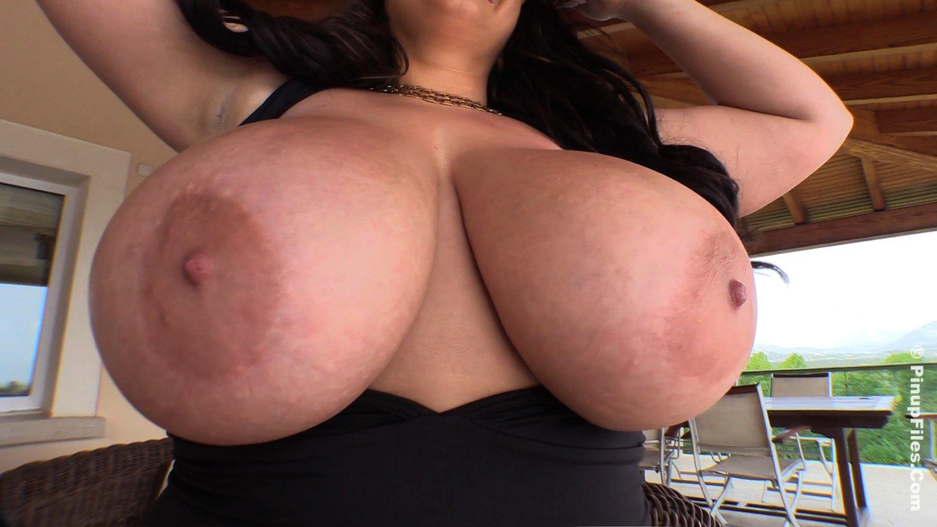 Nikki Hunter nylon boobs