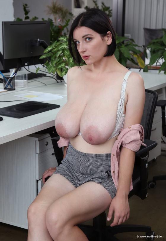 elja big boobs