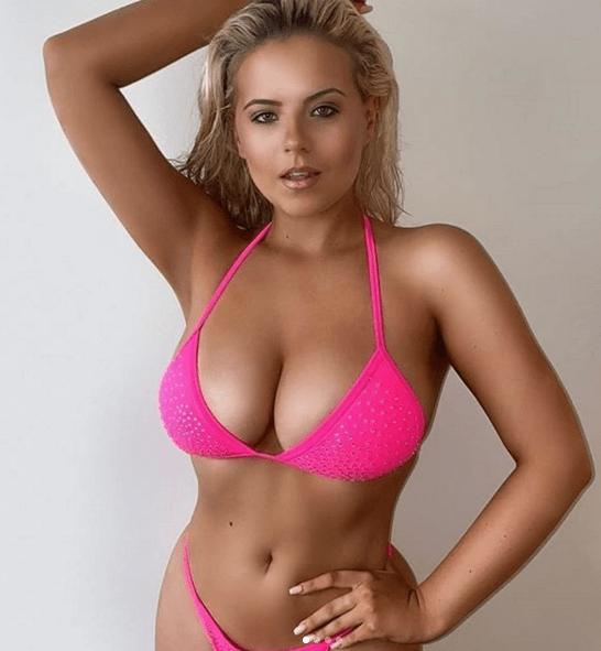 apollonia-bikini-boobs